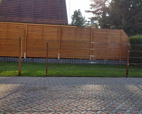 Holzsichtschutz