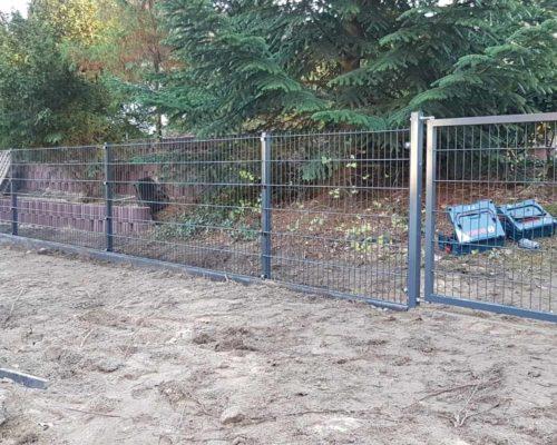 Zaun aus Metall für Garten